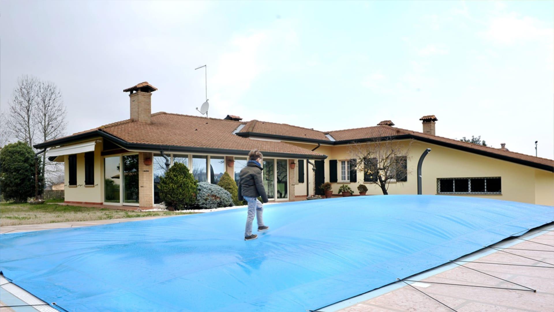coperture sicurezza proteggere piscina