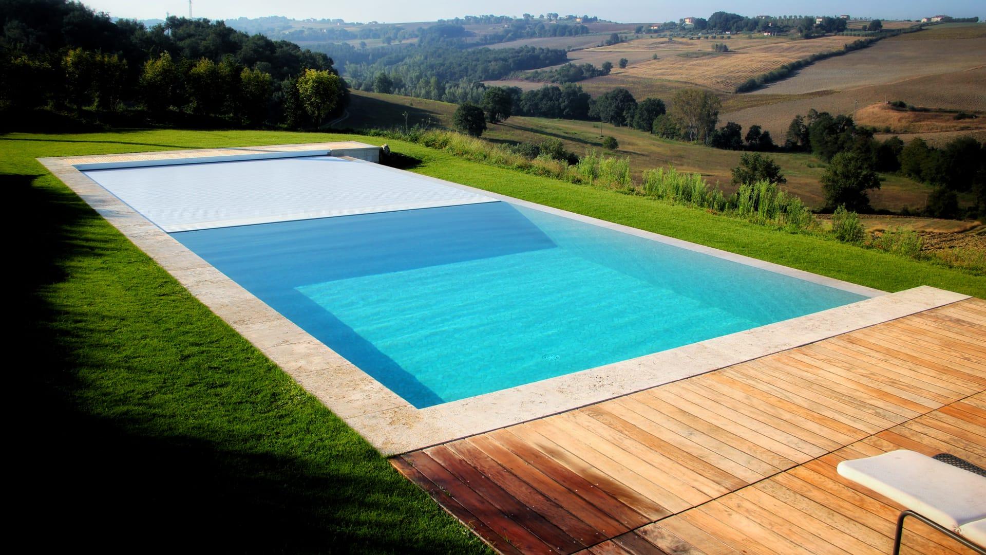 Tensostrutture e coperture piscina e padel Padova | Favaretti Group