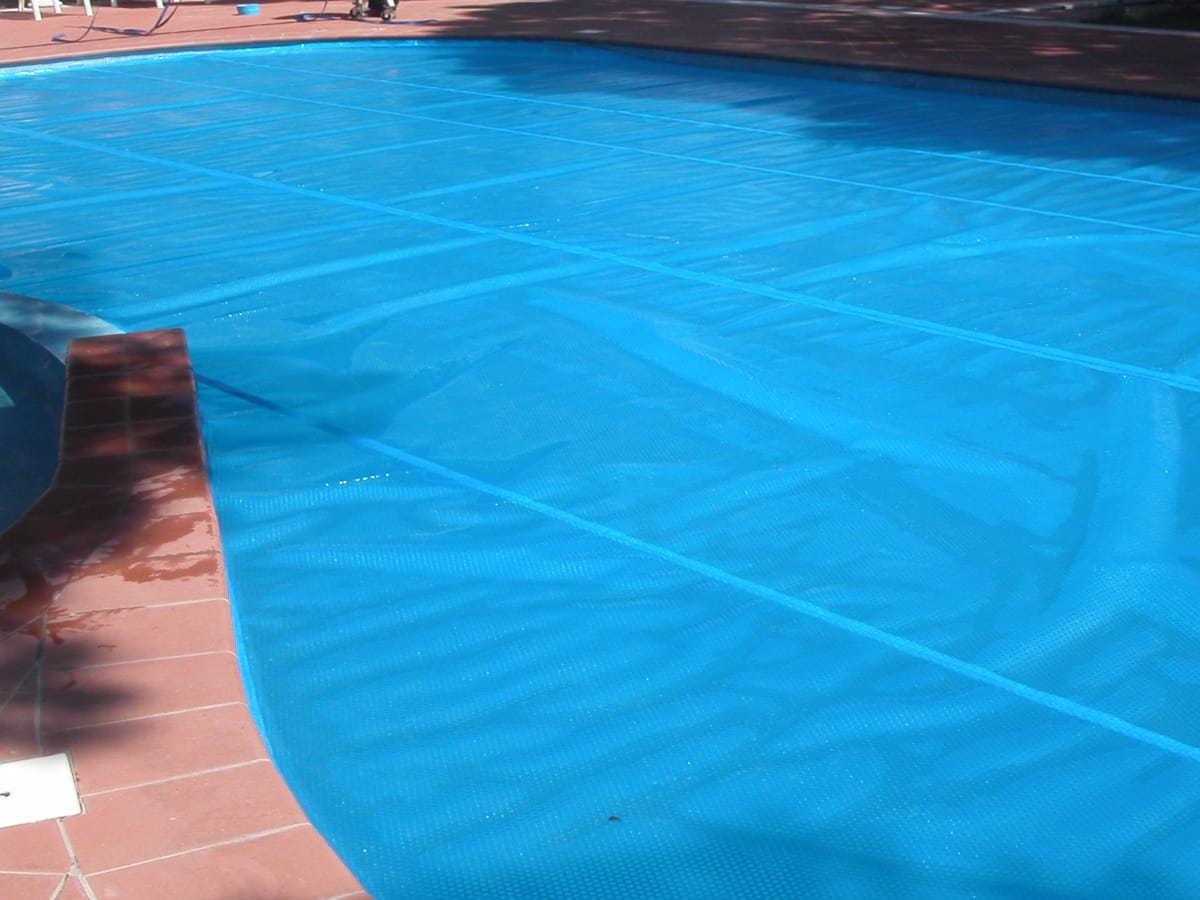 Copertura isotermica a bolle per piscina privata | Favaretti Group