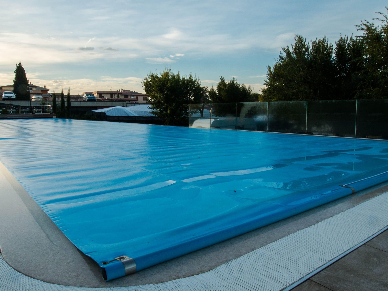 Copertura a schiuma per piscina interrata | Favaretti Group
