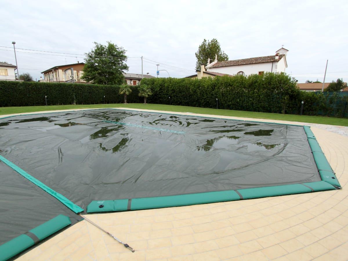 Coperture impermeabili piscine per l'inverno | Favaretti Group