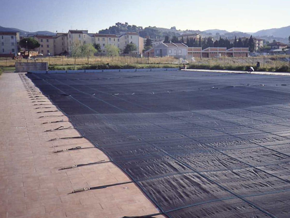 Telo per piscina su misura con sistema filtrante | Favaretti Group